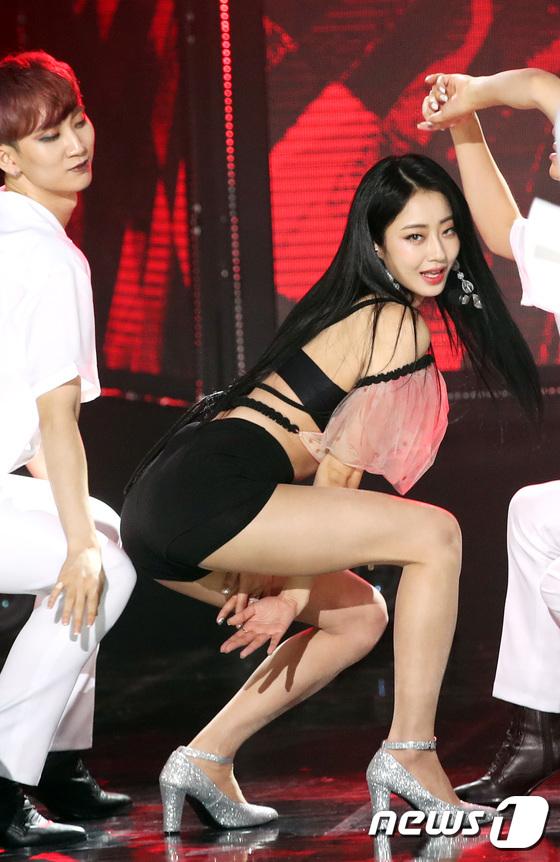 경리, 유혹의 섹시 댄스