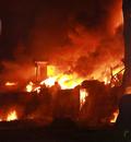 인천 합성수지 공장 화재 '치솟는 불길'
