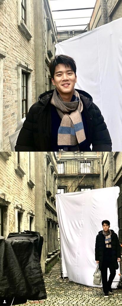 """하석진, 폭염 속 겨울 패션 """"더워도 웃어요"""""""