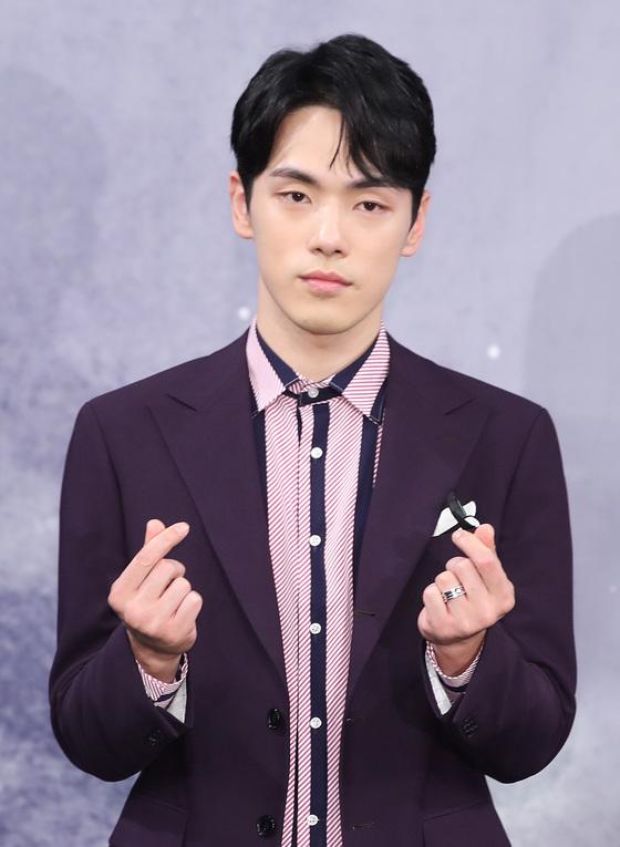 [N이슈] 김정현, 무표정이 쏘아올린 '연예인병' 논란