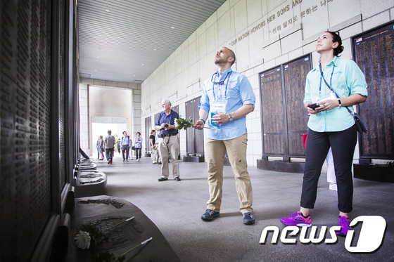美 역사·사회교사들, 용산 전쟁기념관 방문