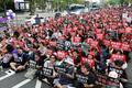'안희정 무죄판결 규탄, 구호 외치는 여성들'