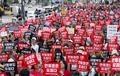 '사법부 규탄하며 거리에 운집한 여성들 '