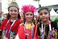 손님 맞이 나선 인도네이사 어린이들