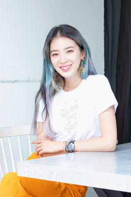 """[인터뷰] 모델 아이린 """"제 브랜드 통해 '긍정 바이브' 전달되길"""""""