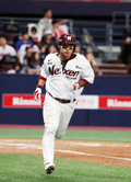 3점 홈런으로 3시즌 연속 40홈런 기록세운 넥센 박명호