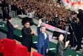 손 들어 북한 주민들에게 인사하는 문재인 대통령