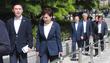 의원회관 향하는 김현미-채이배