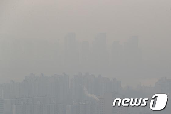 미세먼지 공습...서울이 사라졌다