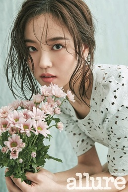 """[N화보] 강한나, 매혹적인 눈빛...""""더 나은 연기자 될 것"""""""