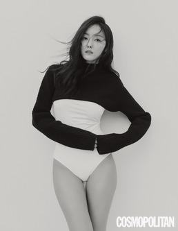 "[N화보] 효민, 보디슈트로 하의실종 패션 ""멋있는 사람 되고파"""