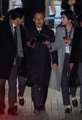 '영장실질심사 마치고 법정 나서는 박병대 전 대법관'