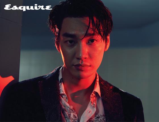 '한편의 누아르'…김영광, 거친 눈빛+치명적 옴므파탈