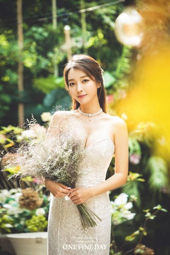 이상미, 23일 연하의 회사원과 결혼 '우아美' 웨딩화보