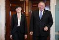 [사진] 웃으며 포즈 취하는 폼페이오와 노르웨이 외교