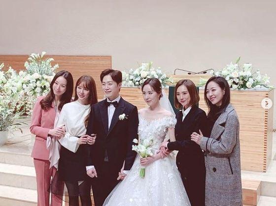 '심은진→윤은혜' 베복, 간미연 결혼식에 총출동