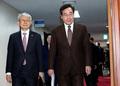 국무회의장 들어서는 이낙연 총리와 최기영 장관