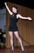 김나정 아나운서, 오늘은 섹시 마술사