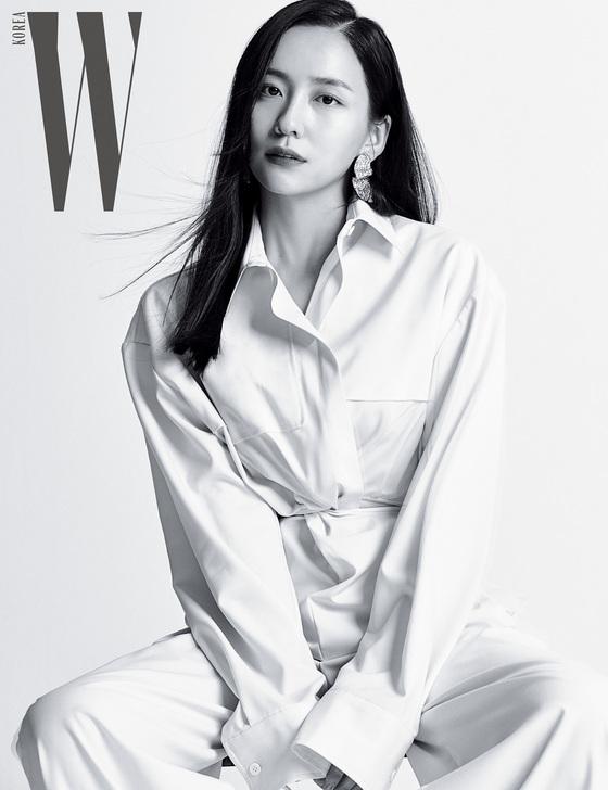 박지현, 흑백으로 담아낸 우아함+고혹적 분위기
