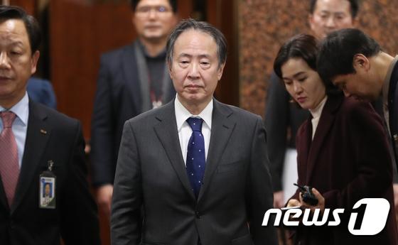 도미타 신임 주한 日대사 입국…한일관계 역할 주목