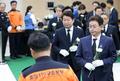 헌화하는 이철우 경북지사·권영진 대구시장