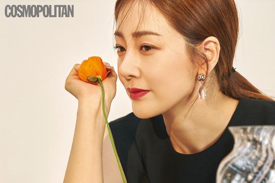 """[N화보] 오나라 """"남친 김도훈, 부모님보다 의지할 수 있는 천생연분"""""""