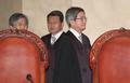 대법정 들어서는 김명수 대법원장