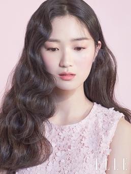 [N화보] 'SKY캐슬' 김혜윤, 러블리 벚꽃요정 변신