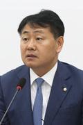 발언하는 김관영 원내대표