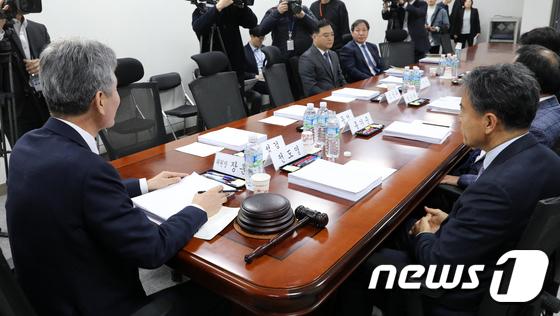 국회 윤리심사 자문위원회의...한국당 자문위원의 빈자리