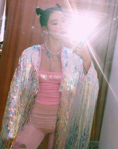 선미, '누아르' 핑크 의상 매력 대방출…섹시+큐트