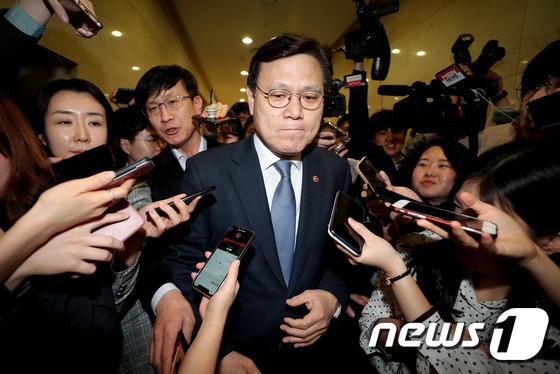 최종구 위원장 '아시아나 매각, 긍정적으로 평가'