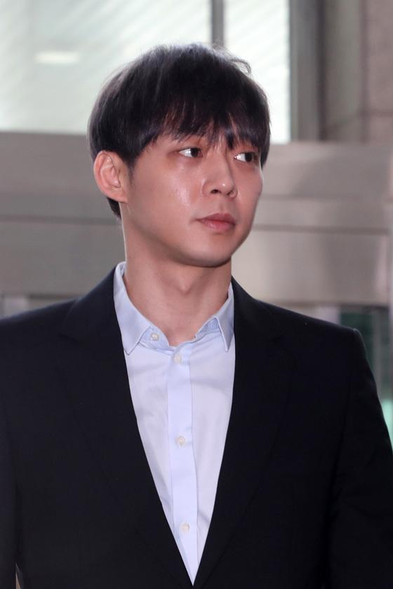 '배신감'…박유천 계약해지에 퇴출 성명까지