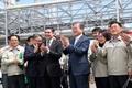 르반굴리 베르디무하메도프 대통령 및 직원, 양국 인사들과 기념촬영을