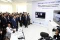 한-우즈베키스탄 의료진 간 원격협진 시연회 지켜보는 문 대통령