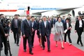 우즈베키스탄 총리 영접 받는 문재인 대통령·김정숙 여사