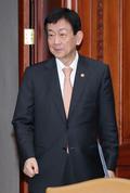국정현안점검 조정회의 참석하는 진영 장관