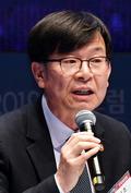 """김상조 위원장 """"재벌기업, 비즈니스·지배구조 위기 봉착"""""""