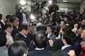 더불어민주당 막아선 자유한국당