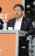 프로야구 관람하는 박양우 장관