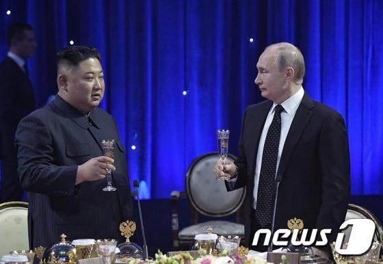 """푸틴 """"美 안전보장만으론 북 비핵화 설득 역부족"""" (종합)"""