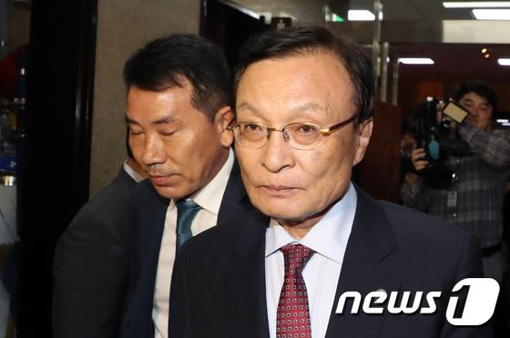 """與 """"한국당, 기득권 보호 위해 만행…패스트트랙 반드시 관철"""""""