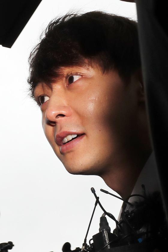 [N이슈] 박유천, 영장실질심사 출석…표정은 '여유' vs 질문엔 '침묵'(종합)