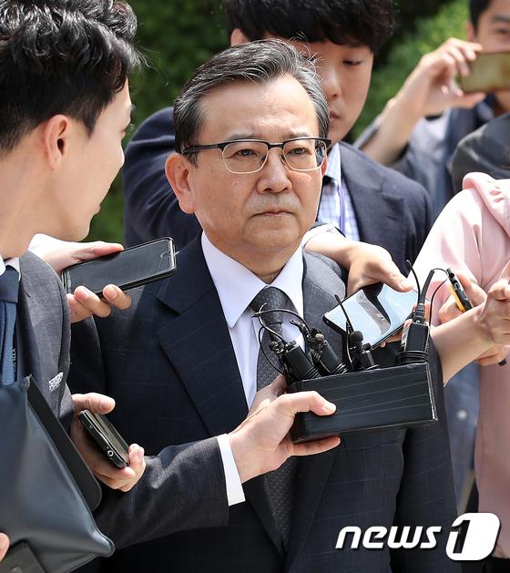 """""""2008년 별장서 성폭행"""" 김학의·윤중천 '특수강간' 피소(종합)"""