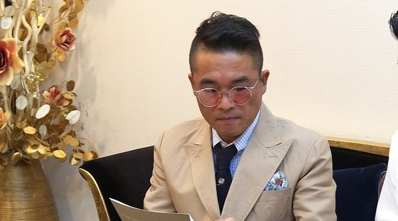 김건모, 법적대응 천명 속 콘서트 진행…'미우새'는 논의 중(종합)