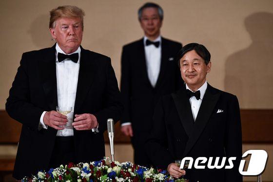 """일왕 """"미일 관계 많은 희생과 헌신위에 구축…평화 공헌 바라"""""""