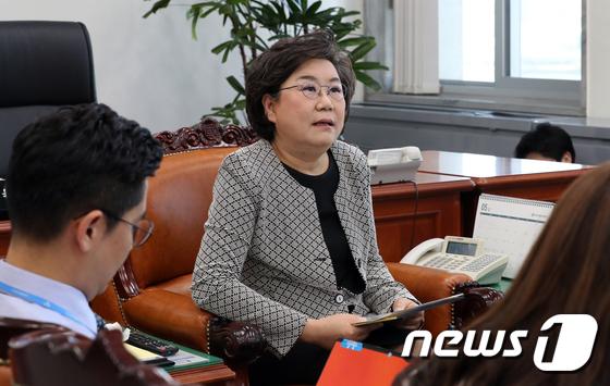 """이혜훈 """"나경원 반대로 정보위 무산…양정철 회동 진실 밝혀야"""""""