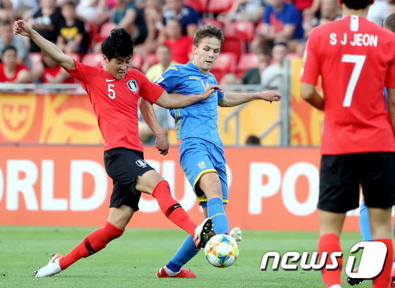 볼다툼 벌이는 김현우