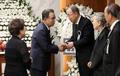 반기문 위원장 위로하는 한승수 전 총리