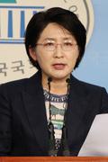 브리핑하는 박주현 최고위원